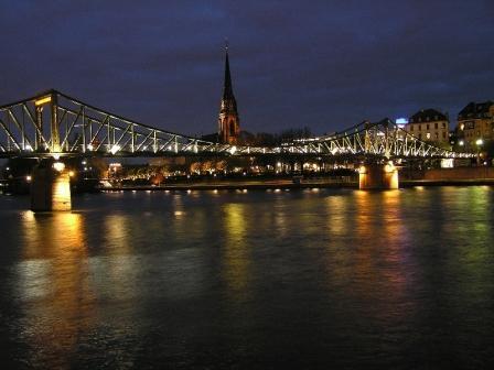 Frankfurt nocą